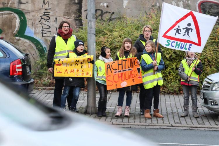 Kinder Demo Verkehrssicherheit Fotojournalist Oliver Schaper